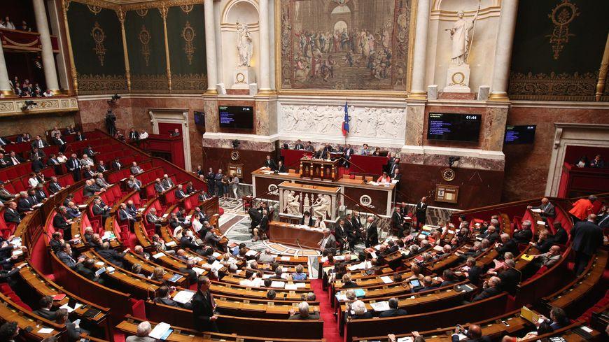 Les députés se prononcent ce mardi soir sur la prolongation de l'état d'urgence