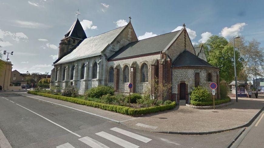 Vue arrière de l'Église Saint-Étienne, à Saint-Étienne-du-Rouvray