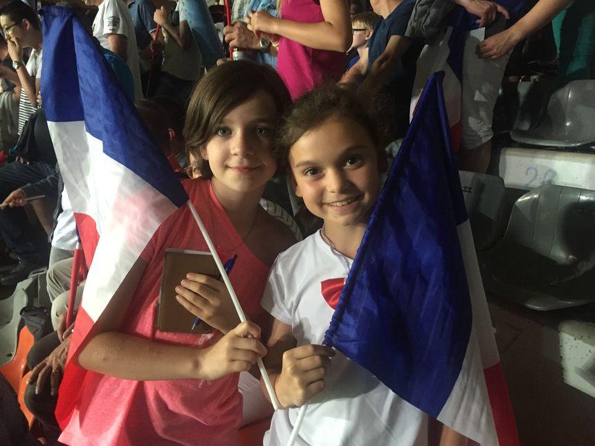 Hortense et Cassandre, 9 ans, sont venues encourager les joueuses à Auxerre