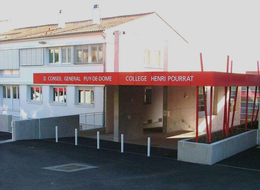Le collège Henri Pourrat de Ceyrat va jeter 1 900 manuels scolaires