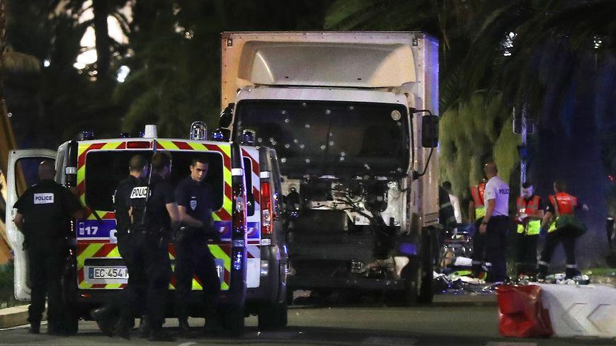 Le camion qui a fauché les passants de la promenade des Anglais le 14 juillet à Nice