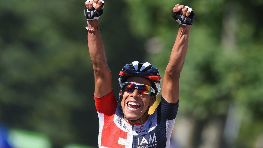 Le Colombien Jarlinson Pantano célèbre sa victoire lors de la 15ème étape du tour de France entre Bourg-en-Bresse et Culoz