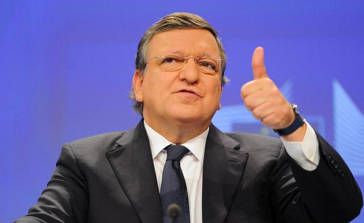 """José Manuel Barroso a expliqué au Financial Times que si ses """"conseils peuvent être utiles dans ces circonstances"""", il était """"prêt à aider bien sûr""""."""