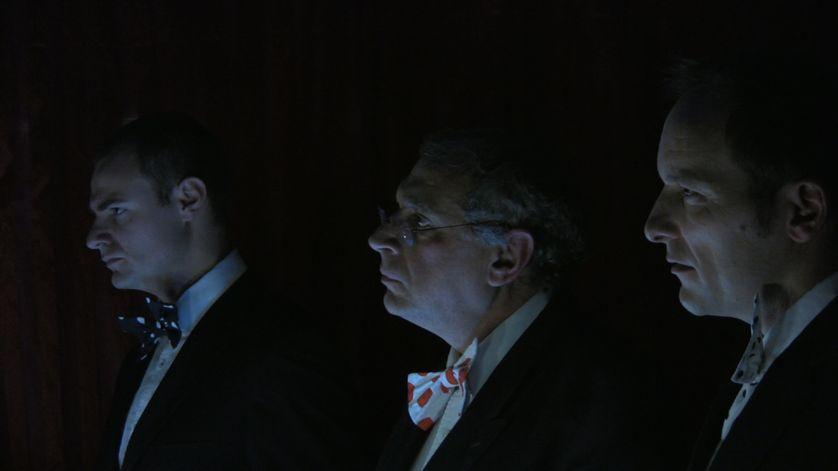 Le président (à gauche) et les banquiers.
