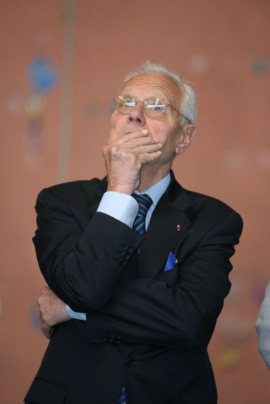 L'alpiniste Pierre Mazeaud est devenu ministre en 1973, puis Président du Conseil constitutionnel