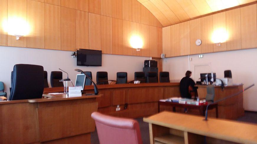 La salle d'audience du tribunal de Coutances