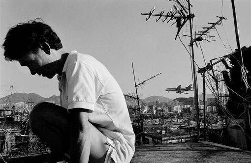 Hong Kong, sur un toit de Kowloon city (la cité emmurée) -1987