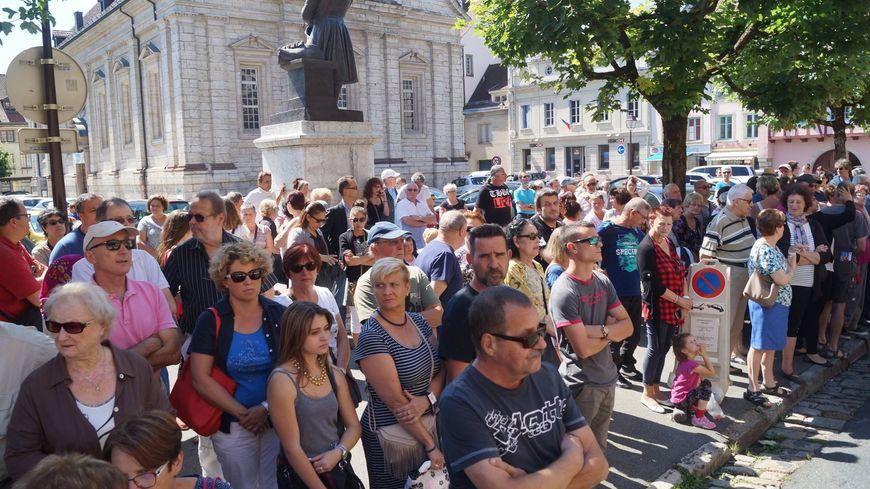 Á Montbéliard, près de 200 personnes se sont déjà rassemblées samedi.