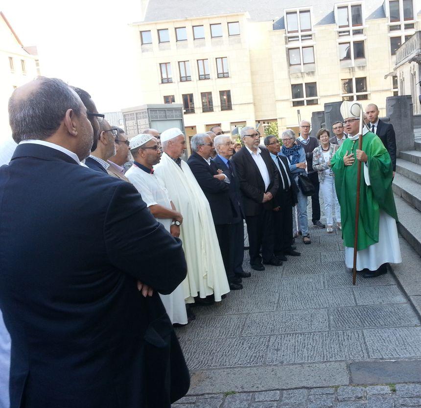 Monseigneur Olivier Leborgne accueille les représentants du culte musulman de Picardie.