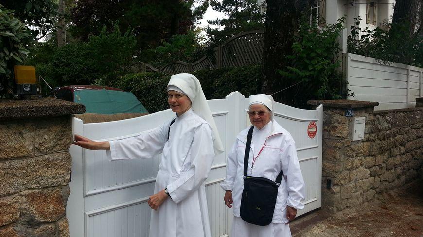 Les Petites Sœurs des Pauvres font la quête à La Baule pour financer un projet d'hébergement