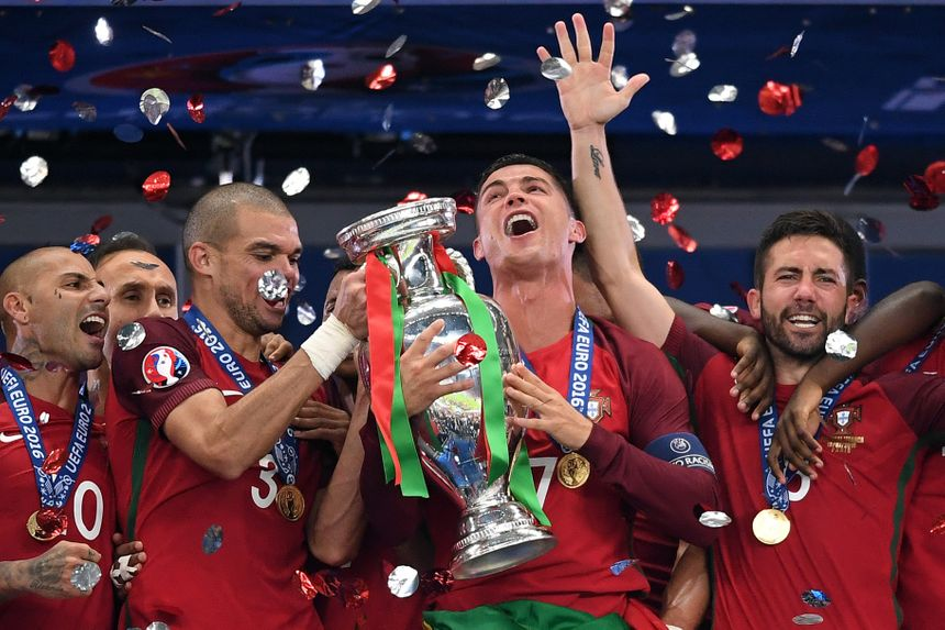 Le Portugal est sacré Champion d'Europe 2016