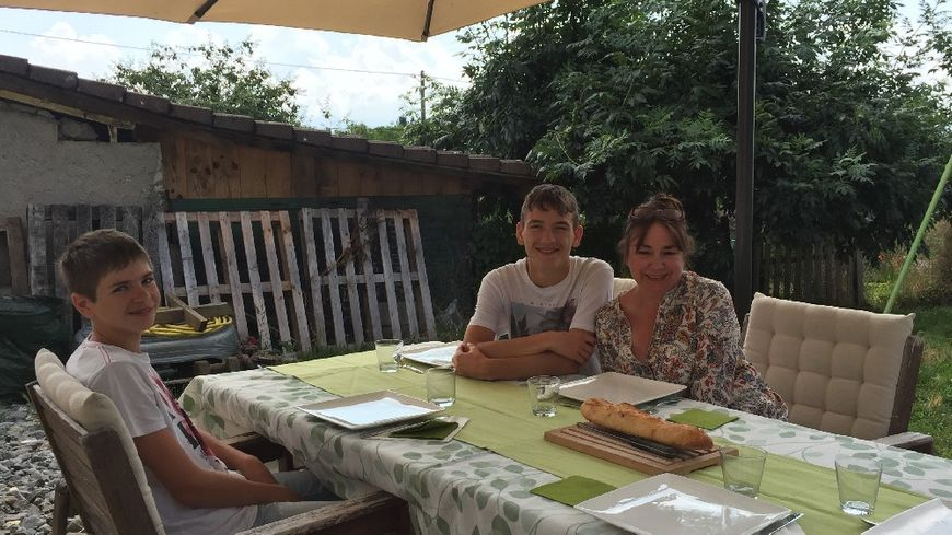 Quentin et Nathan en stage d'anglais chez Maria à... Cruseilles.