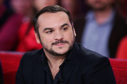 """François Xavier-Demaison sur le plateau de """"Vivement Dimanche"""""""