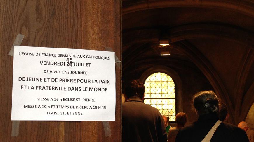 L'église Saint-Pierre de Caen invite fidèles et visiteurs à prier pour la paix