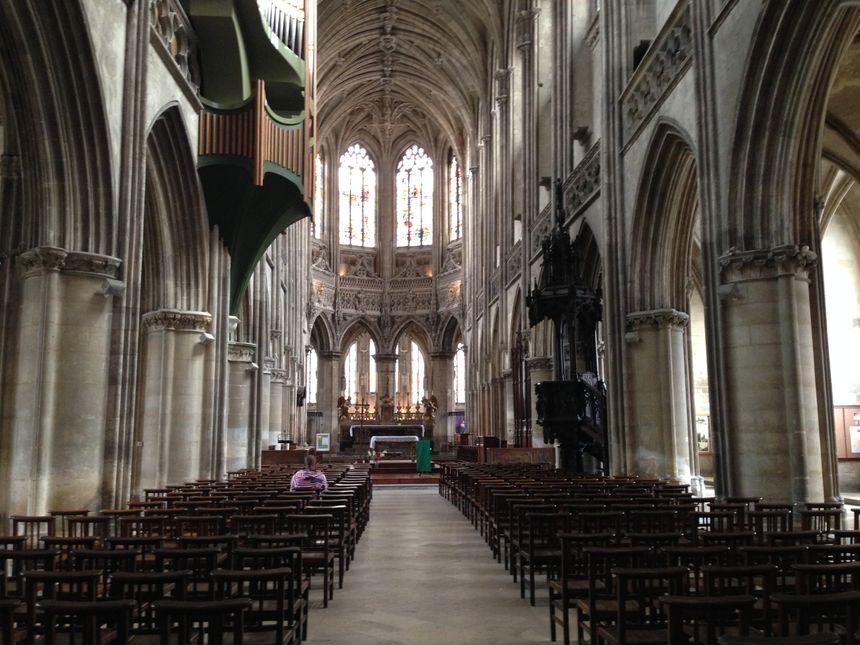 Au coeur de l'église Saint-Pierre à Caen