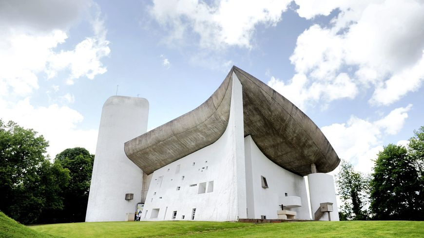La Chapelle de Ronchamp signée Le Corbusier