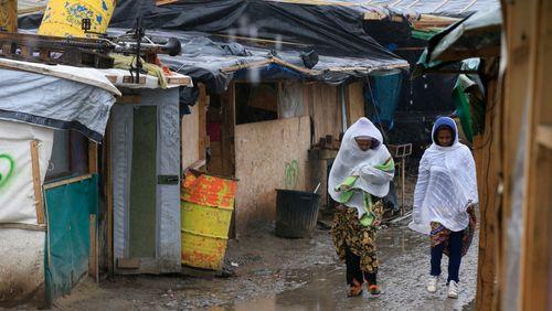 Vivre au camp : l'exemple de Calais