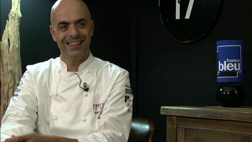 Frédéric Lafon, chef du restaurant L\'Oiseau Bleu à Bordeaux, dans ...