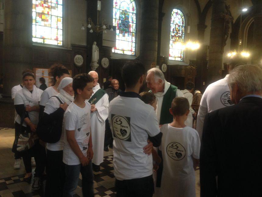 Une quarantaine de musulmans se sont associés aux prières des catholiques, en hommage au père Jacques Hamel