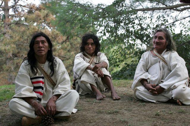 Les indiens Kogis, Miguel, Marcello et Marco, trois chamanes en séjour à Toulouse à l'invitation de l'association Tchendukua, Ici et ailleurs - 5 octobre 2004