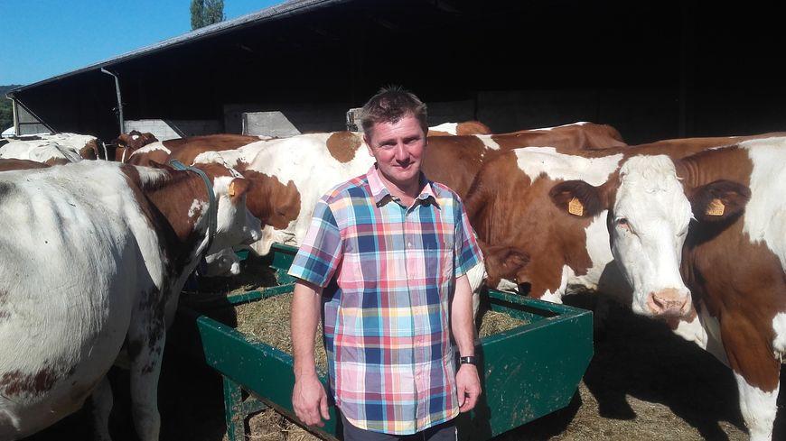 Lionel Morcely a reçu la visite de Florian Bouquet dans sa ferme de Lachapelle-sous-Chaux