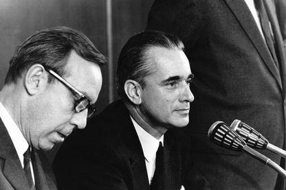 Michel Debré et Jacques Chaban-Delmas lors de la journée du Groupe parlementaire UDR en septembre 1969 à Amboise.
