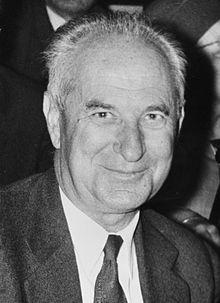 Gaston Defferre, 1964