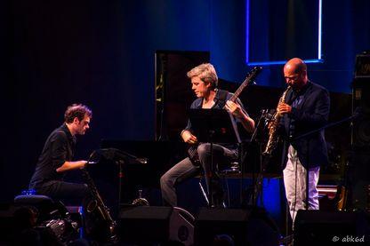 Kyle Eastwood en Concert au festival Jazz in Marciac avec Stefano Di Battista au saxophone (2016)