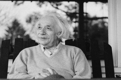 Albert Einstein à Princeton dans le New Jersey en 1951