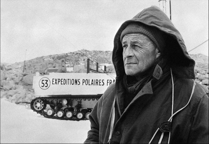 Photo non datée de l'explorateur Paul-Emile Victor (1907-1995), qui dirigea de nombreuses expéditions au Groenland, en Laponie et en Terre Adélie. Il créa en 1947 les Expéditions polaires françaises