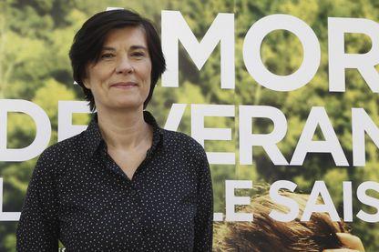 """La réalisatrice française Catherine Corsini pose pendant le photocall à Madrid de son dernier film """"Un Amour d'été"""""""