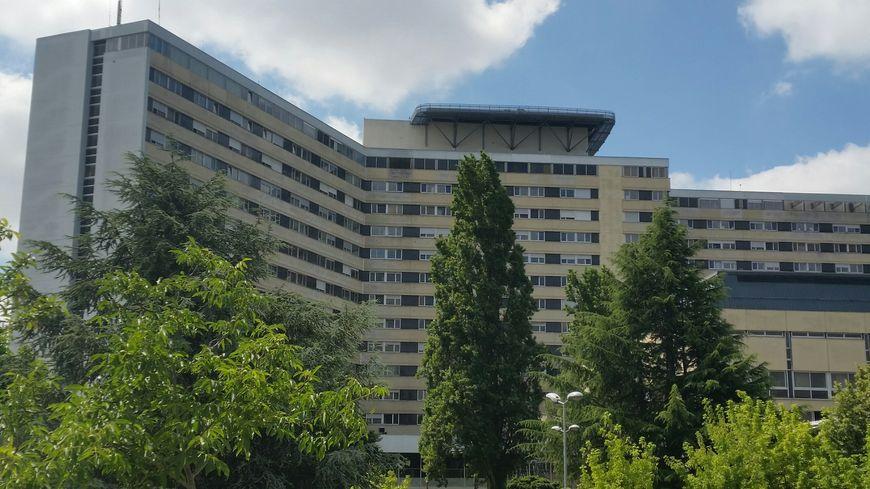 L'hôpital Pellegrin, le principal site du CHU de Bordeaux.