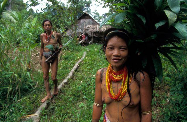 Femme et homme Mentawai