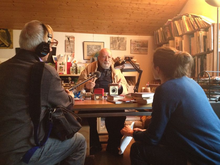 Michel Butor dans son atelier