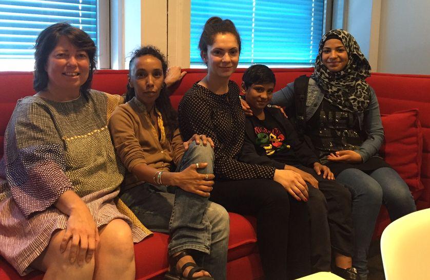 Virginie Guiraudon, Sabreen Al Rassace avec  une membre de l'Association Revivre et 2 jeunes réfugiés syriens, 4 août 2016.