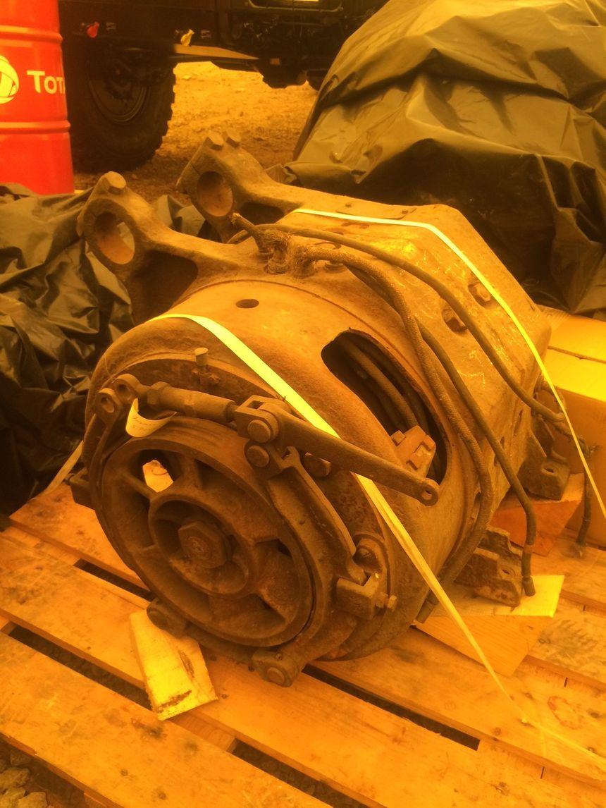 Le moteur original et hors d'état : 22 tonnes.