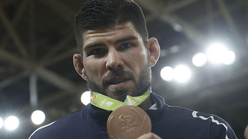 La joie du judoka Cyrille Maret, médaillé de bronze en -100kg aux JO de Rio