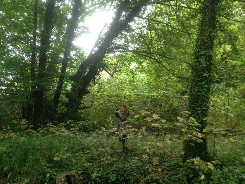 Valérie Segond, repéreuse de décors. Ici à Moigny-sur-Ecole, à la recherche d'une rivière pour le prochain film d'A. Téchiné.