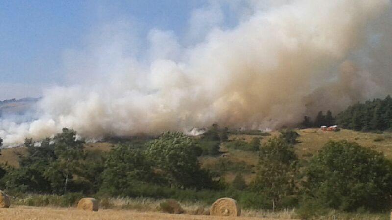 Gros incendie de forêt à Aydat