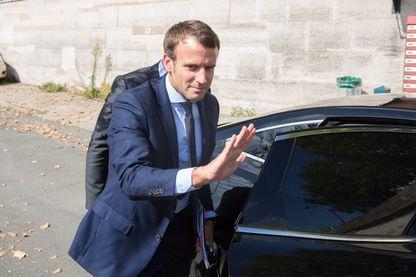 Emmanuel Macron, ministre de l'Économie, vient de présenter sa démission du gouvernement au président de la République