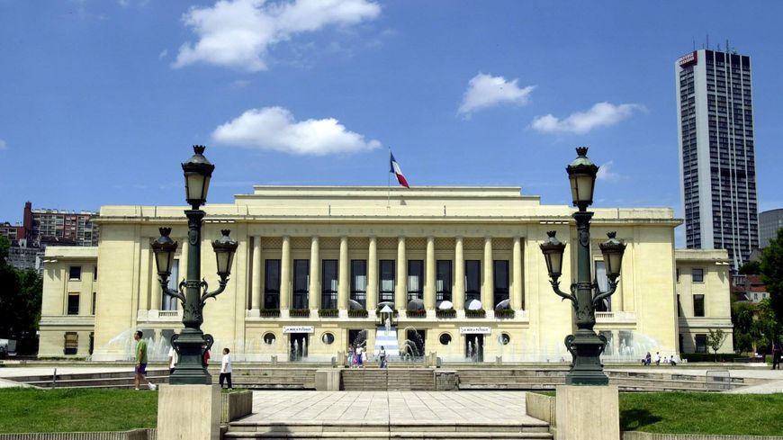1 million d 39 euros d 39 amende pour l 39 office hlm de puteaux for Piscine puteaux horaires