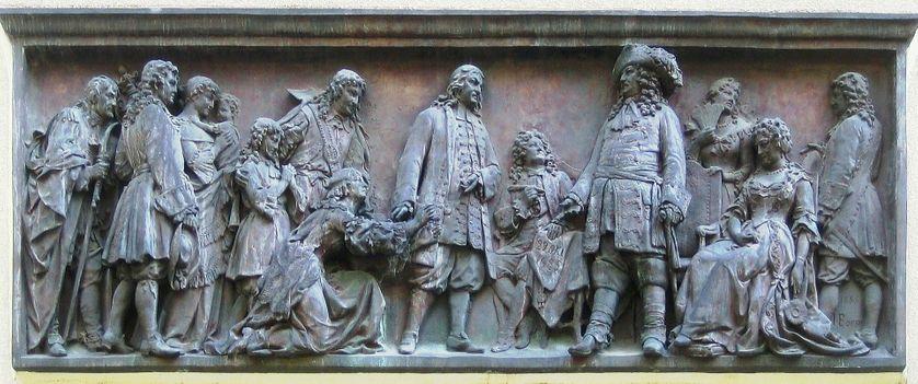 Arrivée des huguenots en Prusse en 1685, sur la façade de la cathédrale française de Berlin
