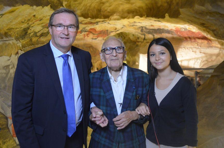 Simon Coencas avec le président Germinal Peiro et sa petite fille