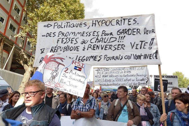 Vox Populi - Page 17 838_politique_detestation