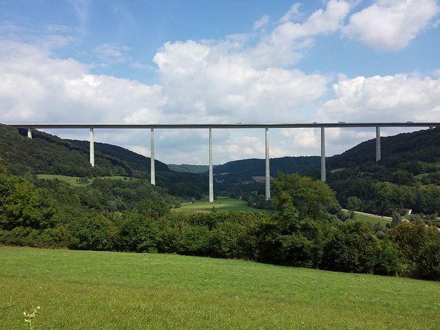 Le pont de Kochertal en Allemagne