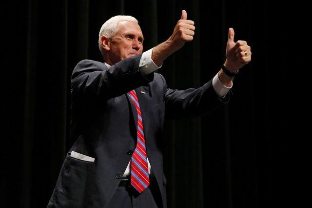 """USA2016 : Mike Pence, colistier de Trump, en """"parfaite santé"""" selon son médecin"""