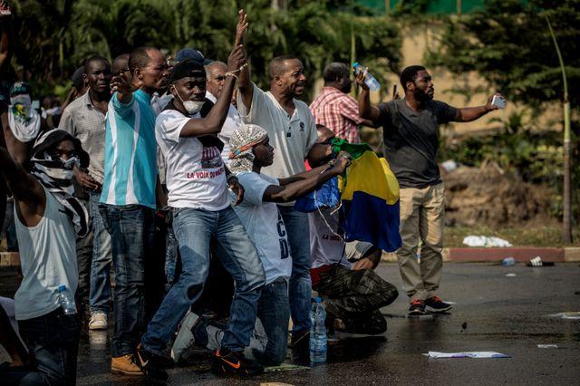 Des manifestants dans les rues de Libreville