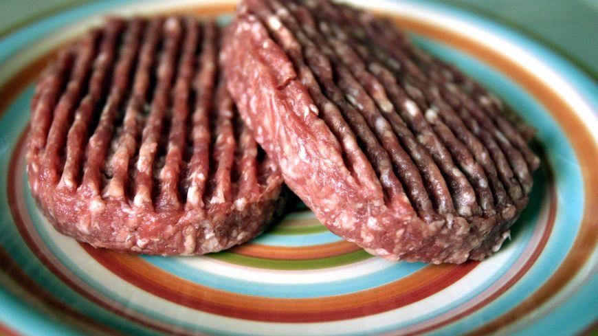 Les marques de steaks hachés concernées sont La Vie Claire et Le Paysan Bio