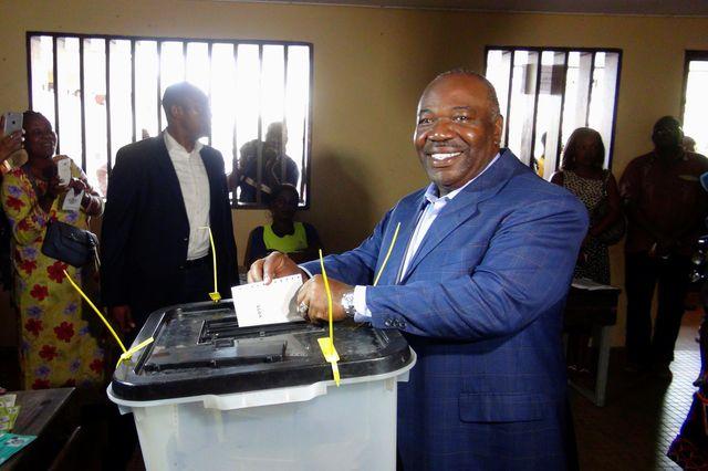 Gabon : Le sortant Ali Bongo se rend aux urnes