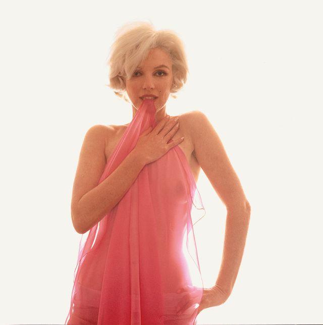 Marilyn Monroe The Last Sitting Biting Red Sarf